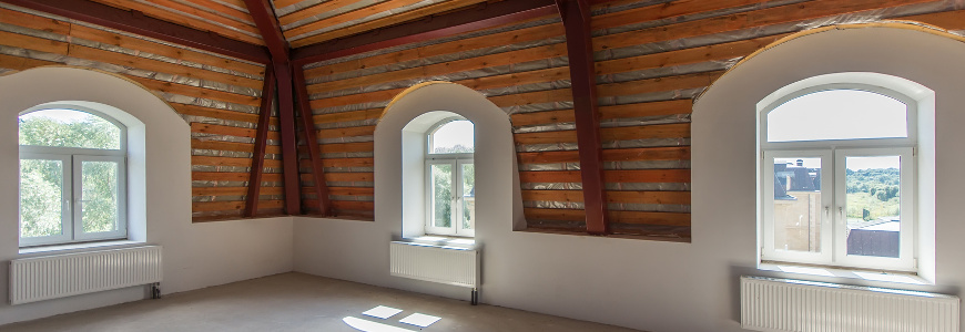 Czym zasłonić okna niestandardowe - okrągłe, trapezowe, kwadratowe?